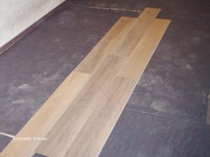Posa pavimento in legno prefinito