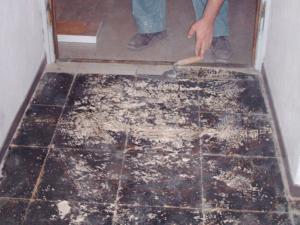 Rimozione pavimento in PVC